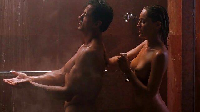 Adulte pas d'inscription  Belles filles film porno entier streaming se masturbant dans la salle de bain