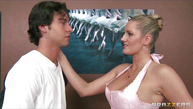 Adulte pas d'inscription  Une ado timide très mignonne accepte de baiser 2 film porno francais complet mecs