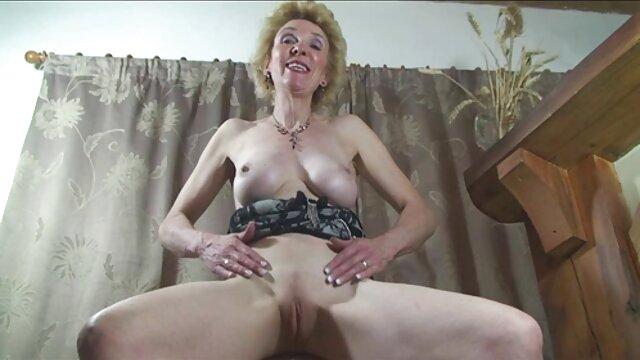 Adulte pas d'inscription  Un gode porno massage complet 3 trous - MILF