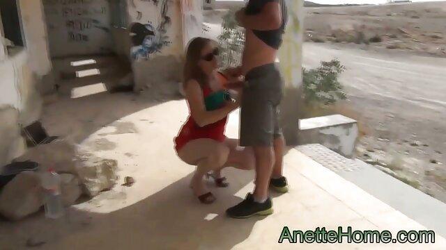 Adulte pas d'inscription  Ado film gratuit entier x baisée à une station-service occupée