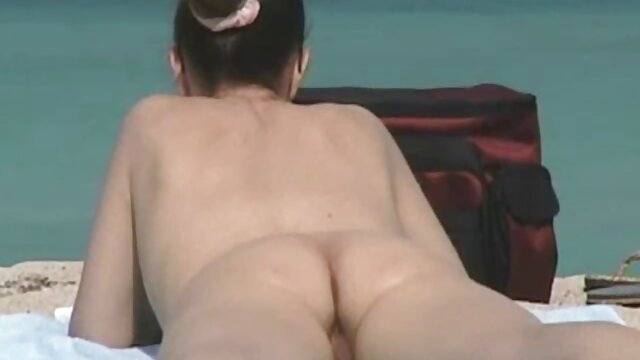 Adulte pas d'inscription  Cougar Head # 51 AMAZING film porno complet tube Busty 47 ans. sur ses genoux !!!