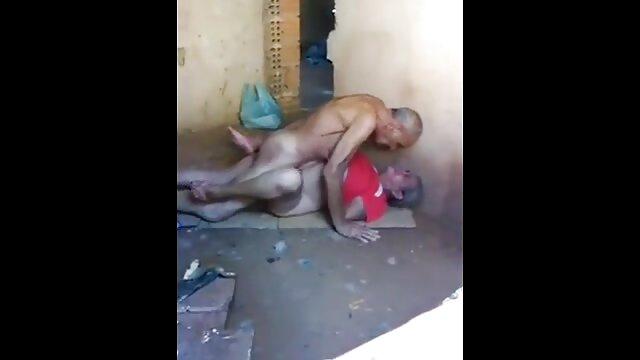 Adulte pas d'inscription  Jeune film porno black complet chienne pleure en se faisant prendre par une grosse bite