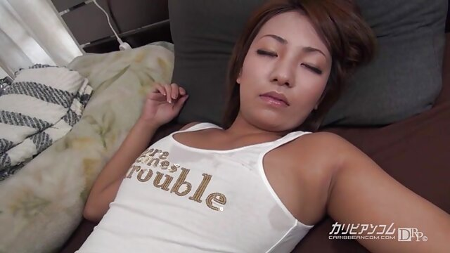 Adulte pas d'inscription  Baise porn streaming complet et éjacule sur les pieds