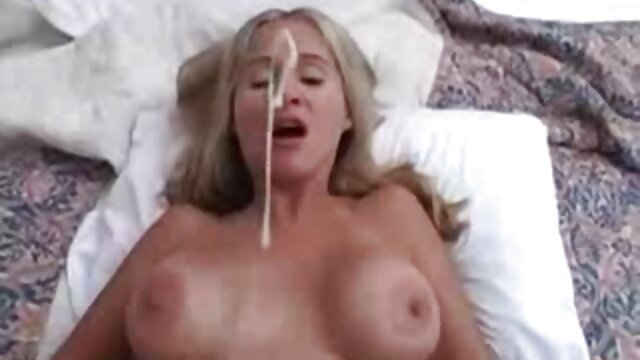 Adulte pas d'inscription  Une ado métisse bien roulée se fait lécher la chatte avant une session de films porno complets forage profonde