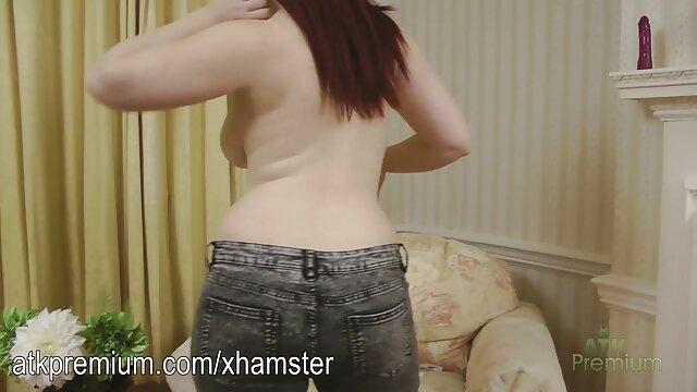 Sexe pas d'inscription  Une brune aux cheveux courts frotte son clitoris humide jusqu'à film porn complet streaming l'orgasme