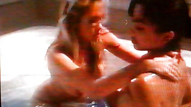 Adulte pas d'inscription  Fille d'à côté film francais erotique complet caressant bbc
