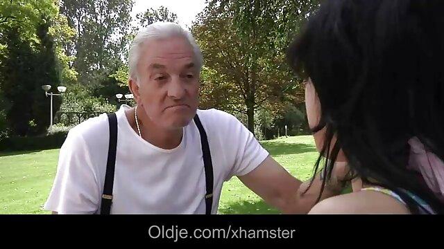 Adulte pas d'inscription  Jeune brune aux gros streaming film porno complet gratuit seins se fait défoncer la gorge