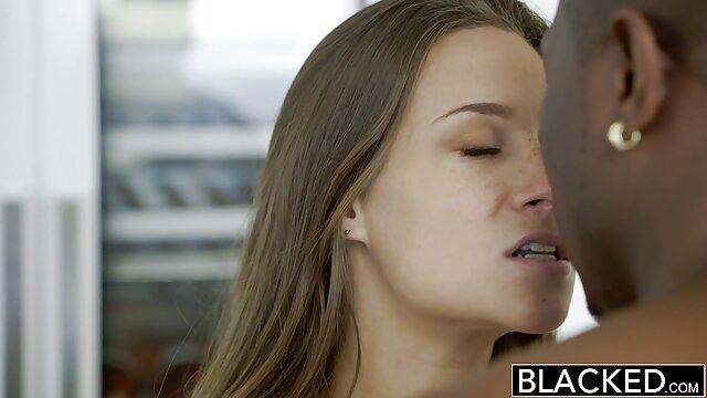 Adulte pas d'inscription  Mamie infirmière prend soin porn film francais complet de sa chatte qui démange