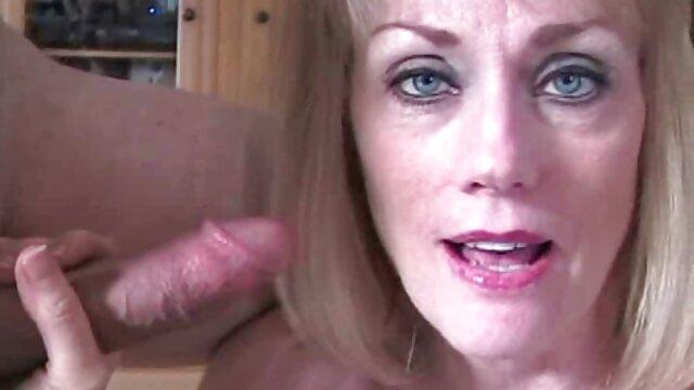 Sexe pas d'inscription  Une film porno complet youtube fille fait la promotion d'un site Web avec la bouche pleine de sperme