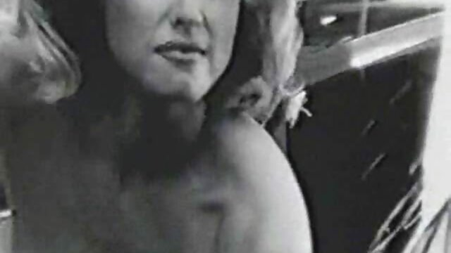 Sexe pas d'inscription  Un garçon chanceux baise deux jeunes blondes film porno complet en vf affamées
