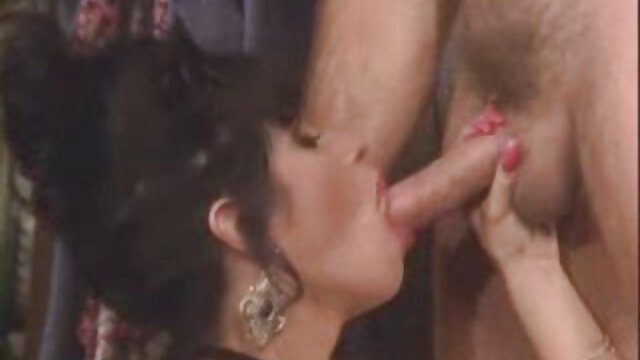 Sexe pas d'inscription  Des filles universitaires chaudes sont à genoux dans la film complet porno arabe bouche et des chattes