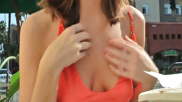 Adulte pas d'inscription  Femme se film porno sexy complet masturbe sur son lit