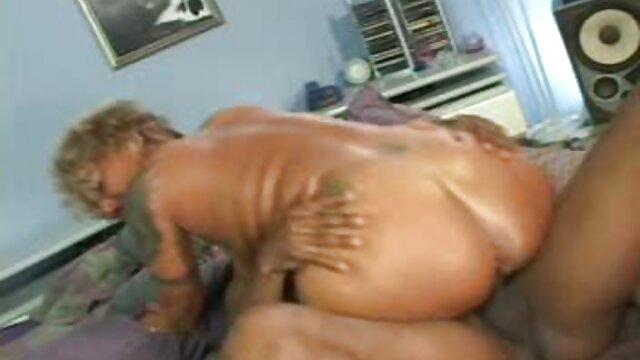 Adulte pas d'inscription  Éjaculation à l'intérieur de PAS demi-soeurs film porno entier en streaming