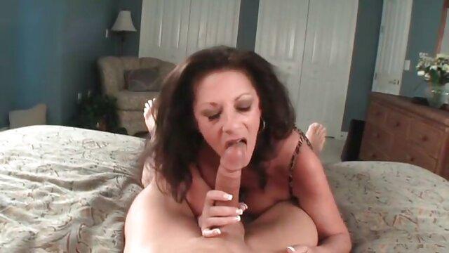 Adulte pas d'inscription  PAWG secoue son cul au video porno complet gratuit bureau