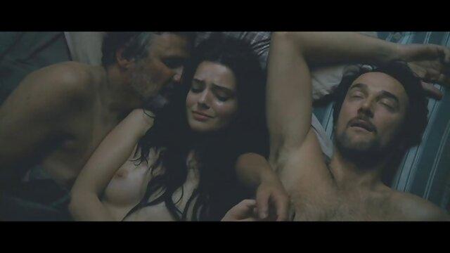 Adulte pas d'inscription  Un couple asiatique porn hub film complet fait tout! Oral, doigté et levrette