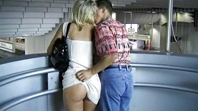 Adulte pas d'inscription  Une blonde sexy prend un gode vibrant porno streaming complet
