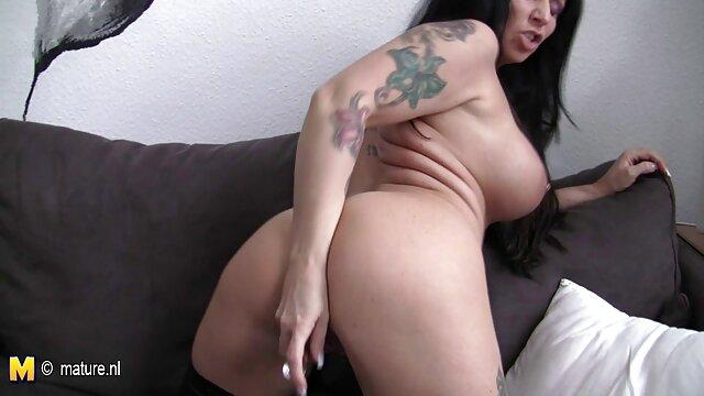 Adulte pas d'inscription  Hot porno complet italien blonde mariée avec un beau cul serré se fait lécher et baiser la chatte