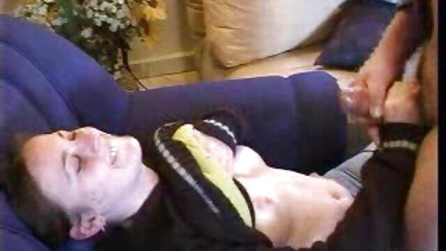 Adulte pas d'inscription  Ebony film porno complète MILF Kelly Stylz baise sa chatte avec un gode