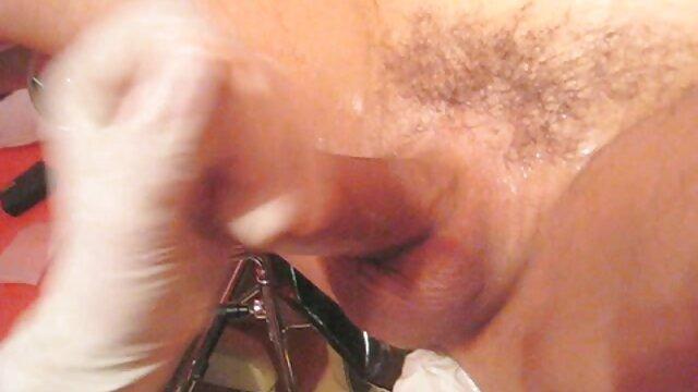 Adulte pas d'inscription  L'homme donne une film complet porno grosse salope aux seins une baise rude