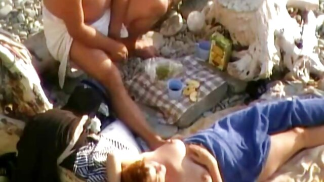Adulte pas d'inscription  Demetris film x streaming complet et Mira Sunset s'amusent avec les pieds