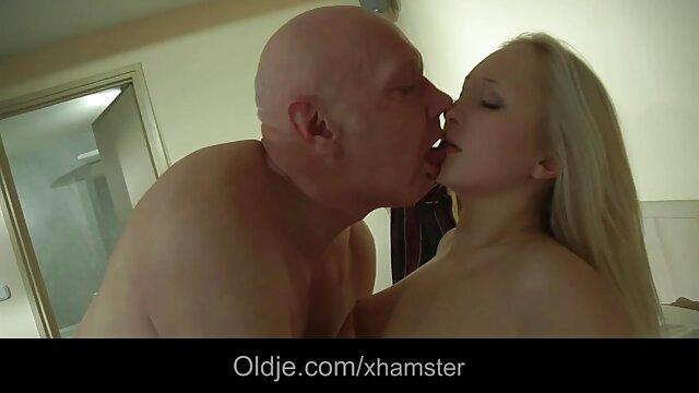 Adulte pas d'inscription  Séance porno gay film complet de bastonnade extrême